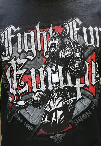 24585cbaa271 Pánské Tričko - Fight For Europe ...